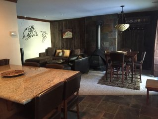 Cozy Condo-Walk to Park City Lifts & Deer Valley Shuttle Stop in Front!
