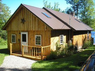 'THE PHOENIX' Lakefront Log Cabin in the beautiful Maine Highlands