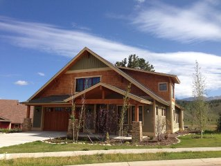 New 4 BR/3 BA Vacation Home on Alpine Meadow, 3 miles from Winter Park Resort