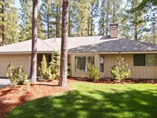 Wow! Tasteful, Open & Vaulted, 2 Master Suites, SHARC Passes, Great Hot Tub