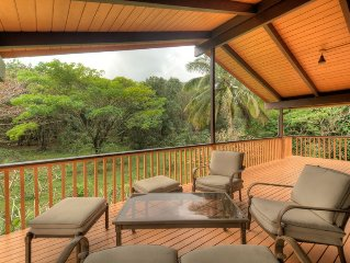 3br/2ba Across street from footpath to beach! Large lanai facing preserve!
