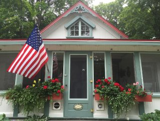 Visit 'Cedarset' A Charming Cottage In Historic Bay View