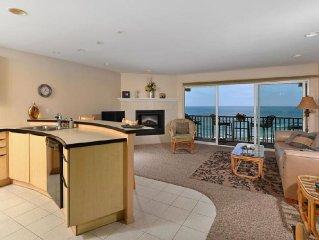 Spacious Beach Front Condo-Resort Like Amenities Pool And Spa