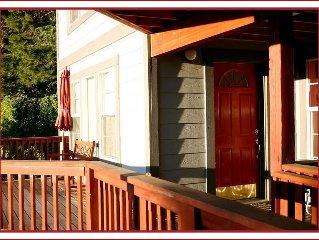 The RED DOOR apt.- Couples' Refuge INSIDE YOSEMITE - avail June 17+18
