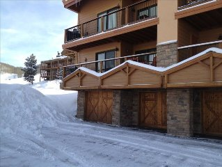 Crested Butte Ski In, Ski Out, 2/2, Great Views, Hot Tub, Newly Renovated