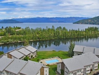 Newly Remodeled Condo just steps from the Pool and Lake in beautiful Sandpoint