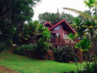 Panoramic Ocean View Cottage in Tropical Gardens