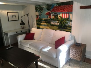 Walking distance to Mobile Bay and downtown Fairhope