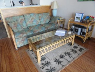 Need to relax? Comfortable Ocean Front Condo