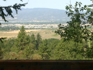 Private Home in the Foothills of Medford