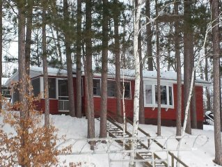 Lakefront Cabin, Snowmobile, Ice Fishing & Cross Country Skiing
