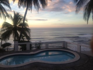 Ocean Front House, Surf.Fish,Chill/Walk minutes to perfect Surf/very private!