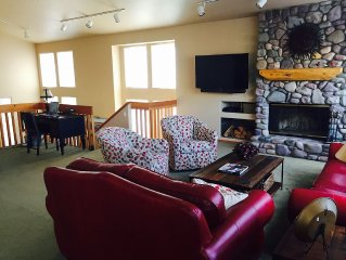 Spacious Arrowwood Condo in Elkhorn