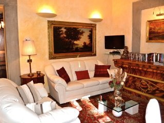 Delightful apartment, heart of Florence, walking distance of everything, terrace