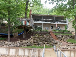 4Bd/2Ba-Lakefront home built for Family Fun. Private Dock. Trampoline. Treehouse