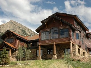 Ski-in Ski-out LUXURY on Mt. CB! Hot Tub, Game & Steam Rooms! Spectacular Views!