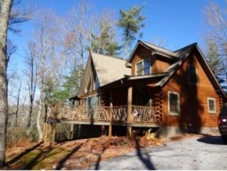 Peaceful, Relaxing Mountain Getaway. Mountain View, Close to 4 star dinning