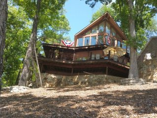 Fantastic Lake View, Close To Town, And Sleeps 8-10.