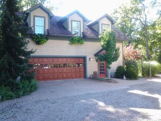 Carriage House-Beautiful on  60 Acres-7 miles from Ann Arbor