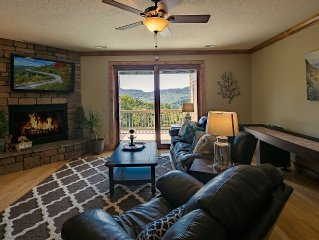 Vacation rental listing offering luxury, central location spectacular views