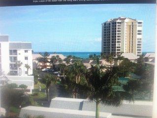 Oceanfront, Oceanview, Island Condo - Top Floor, Golf, Pools, Gym, Tiki Hut/Bar