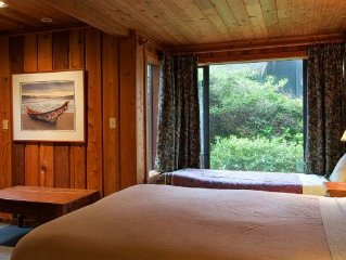 Tofino~ Chesterman~ Beach~ Private~ Architecturally~ Designed~ Houses~ Sleeps 6