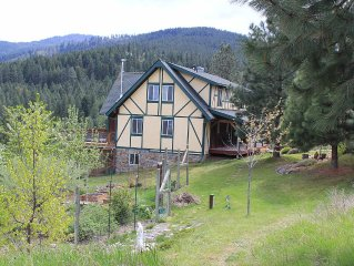 Gorgeous 3500 Sq Foot Mountain Retreat With Stunning Panoramic Views