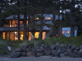 Tofino~ Chesterman~ Beach~  Architecturally~ Designed~ House  Chahayis~ Sleeps 6