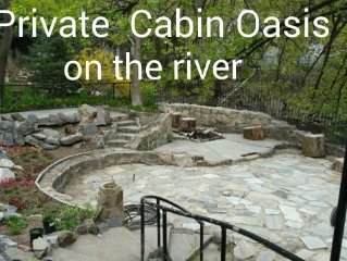 Spacious cozy cabin, perfect outdoor living with ogden river in the back yard