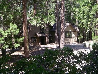 Custom Luxury Mountain Retreat, 15 Minutes from Lake Isabella and Kern River