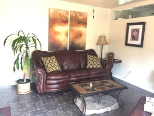 Charming, Cozy 1 Bedroom Guest House Located Minutes From Downtown