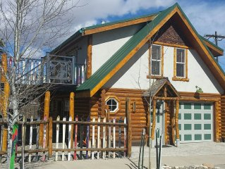 Fin+Pin Lodge, historic downtown, wifi, cable tv, deck, patio, fireplace, view