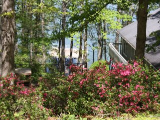 Lake Lanier house w/ Lg Dock & Deep Water, Great Sunsets