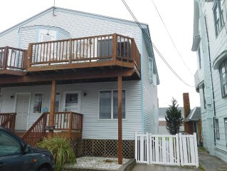 Awesome Beach Block Prime Location  - only 300 Feet to Beach - Family Friendly