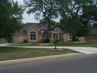 The Retreat Is A Family Friendly Home In A Gated Community.