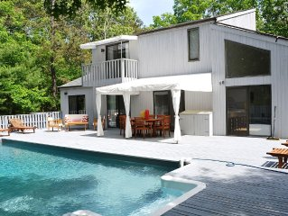 ***Bright Contemporary w/4 Bedrooms, 2.5 Bathrooms, Pool & Fireplace***