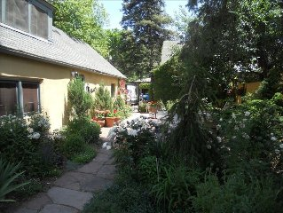 9) You'll love staying  in our fabulous Cheyenne Canyon 2 BR Cottage