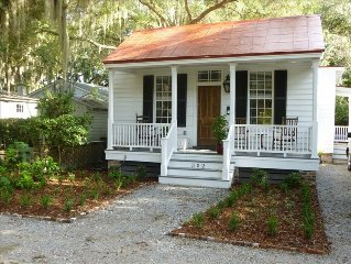 Heart of the Point! Historic 1880's Cottage,2 Bd/2 BA/+Study/Screen Porch