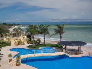 PUNTA DE MITA LARGE BEACHFRONT UNIT -BEAUTIFUL, SPACIOUS AND PRIVATE