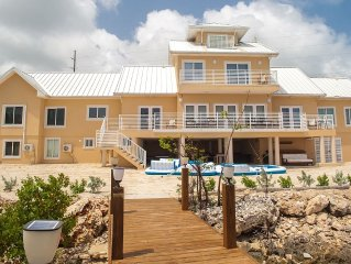 "8 BR/9 BA House, ""Southern Ayr"", Private Beachfront Paradise, Sleeps 20"