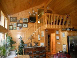 Hayward/Minong Area - An Artist's Shangri-Lodge on Minong Flowage