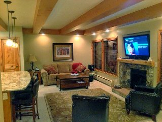 Walk to the Ski Lifts! - Large 2 BR/3 Full Bath Condo!