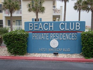 Taylor Made Get-A-Way...1 Block To The Beach...1st Floor Unit