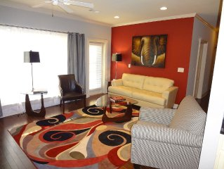 LUXURY CONDO - SHORT WALK TO BRYANT-DENNY STADIUM
