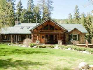 Beautiful large private 5 bedroom cabin on Bear Creek