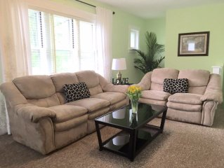 Newly remodeled; 2 bedroom 1 bath near Forest Park. Free Cable and Wifi!