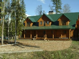 Luxurious 7 Bedroom Log Home With Hot Tub On The Golf Course