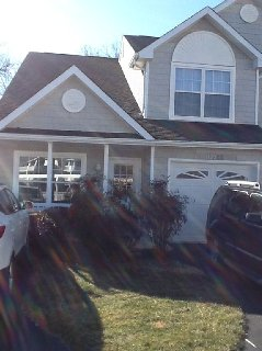 Spacious family townhome, pool right out front door, just 2 mi to Lewes Beach