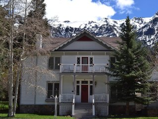 Beautiful 1890 Historic Ouray Manor
