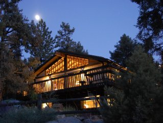 Rocky Top Lodge ~  A One-of-a-Kind Cabin in the P